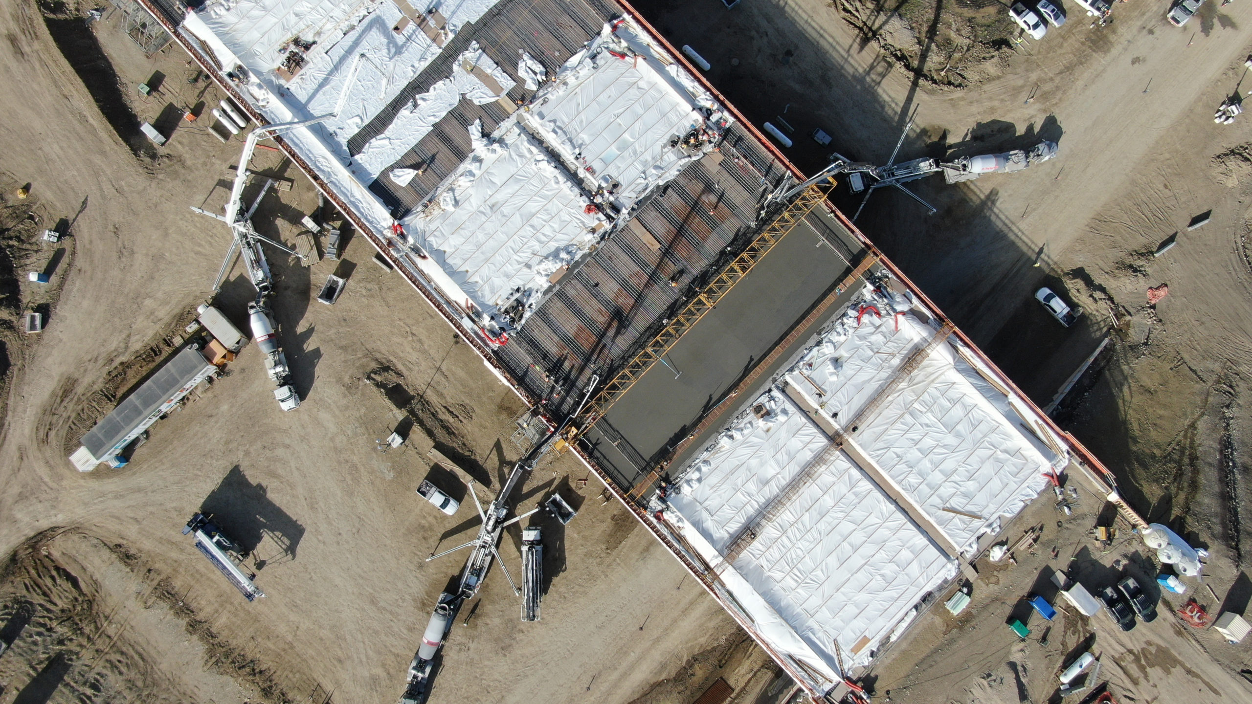 overhead view of Dynamic Concrete Pumping working on the SW Calgary Ring Road project